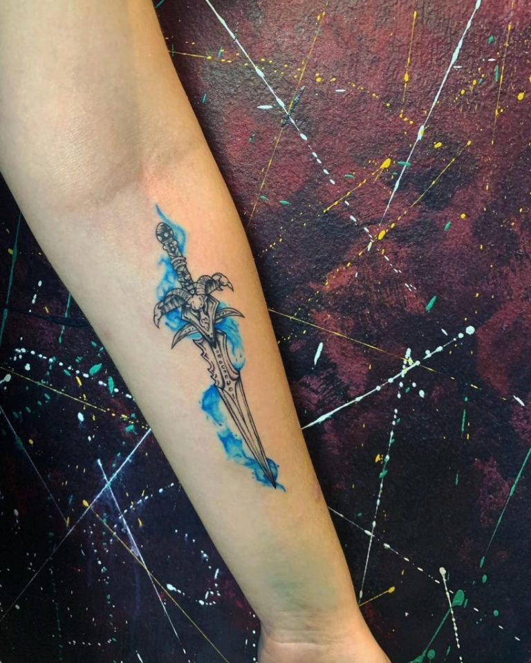 tatuaj color tatuaj mana cutit stilet Salon tatuaje si piercing Funky tattoo bucuresti