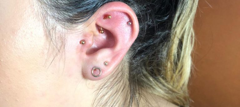 Piercing ureche Salon tatuaje si piercing Funky tattoo bucuresti