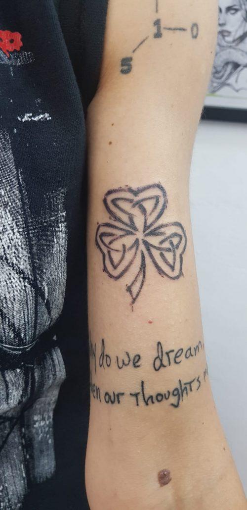 salon tatuaje funky tattoo bucuresti  tatuaj mana tatuaj fete tatuaj papusi