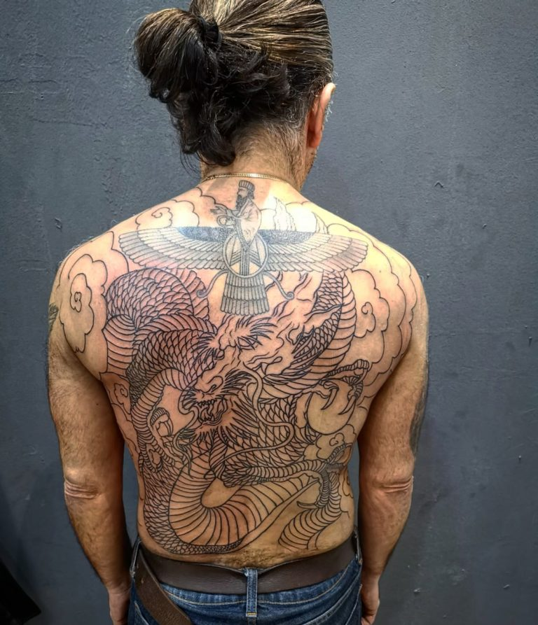 salon tatuaje funky tattoo bucuresti tatuaj spate tatuaj chinezesc baieti barbati