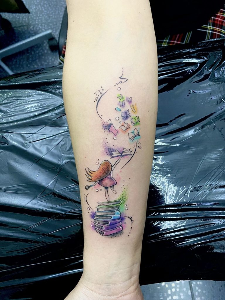 tatuaj fete color Salon tauaje si piercing Funky Tattoo Bucuresti