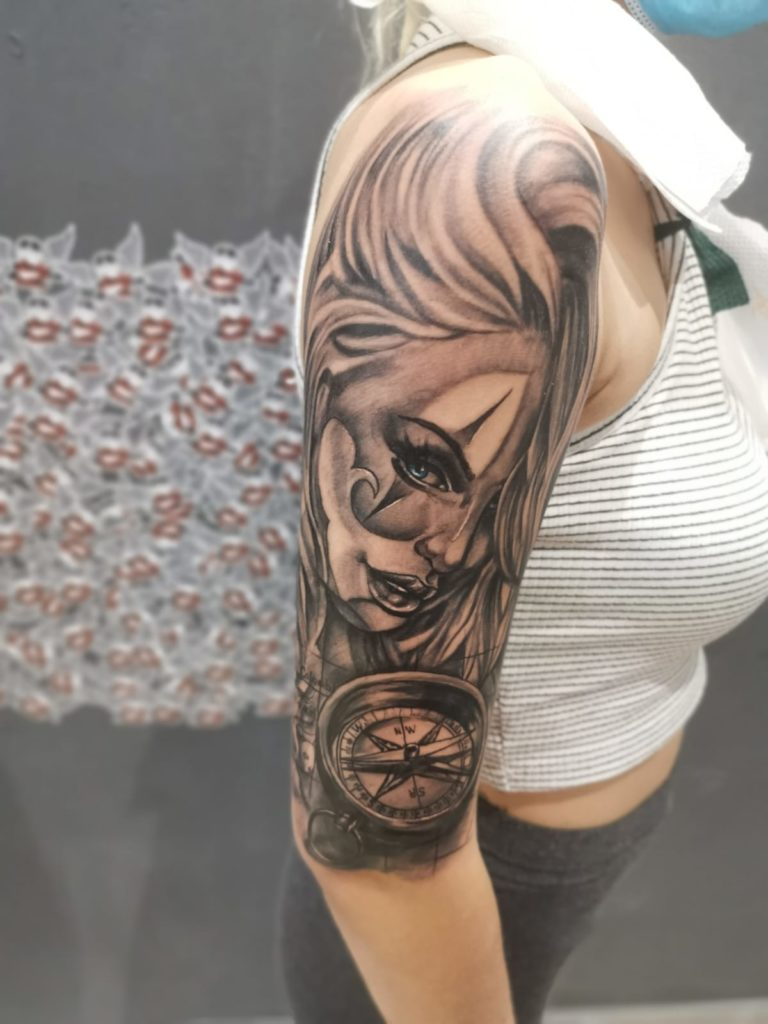 tatuaj fete brat mana salon tatuaje si piercing Funky tattoo Bucuresti