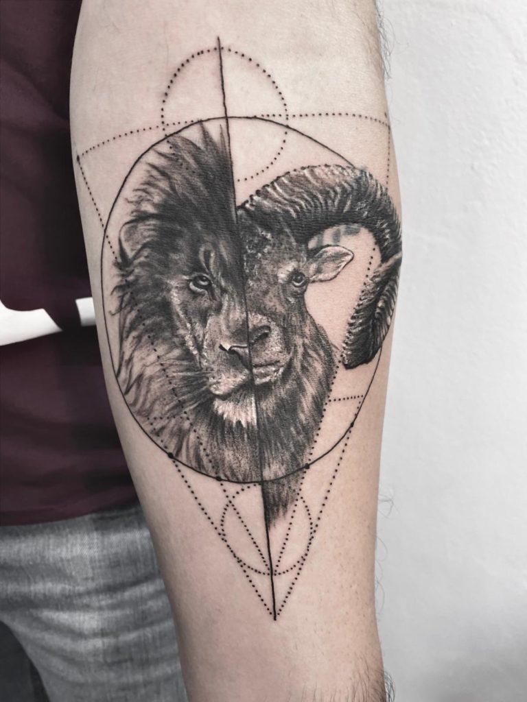 tatuaj baieti barbati mana realistic portret salon tatuaje si piercing Funky tattoo Bucuresti