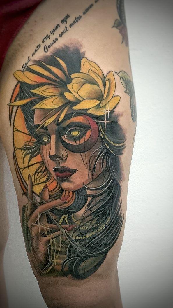 tatuaj color fete picior salon tatuaje si piercing Funky tattoo Bucuresti