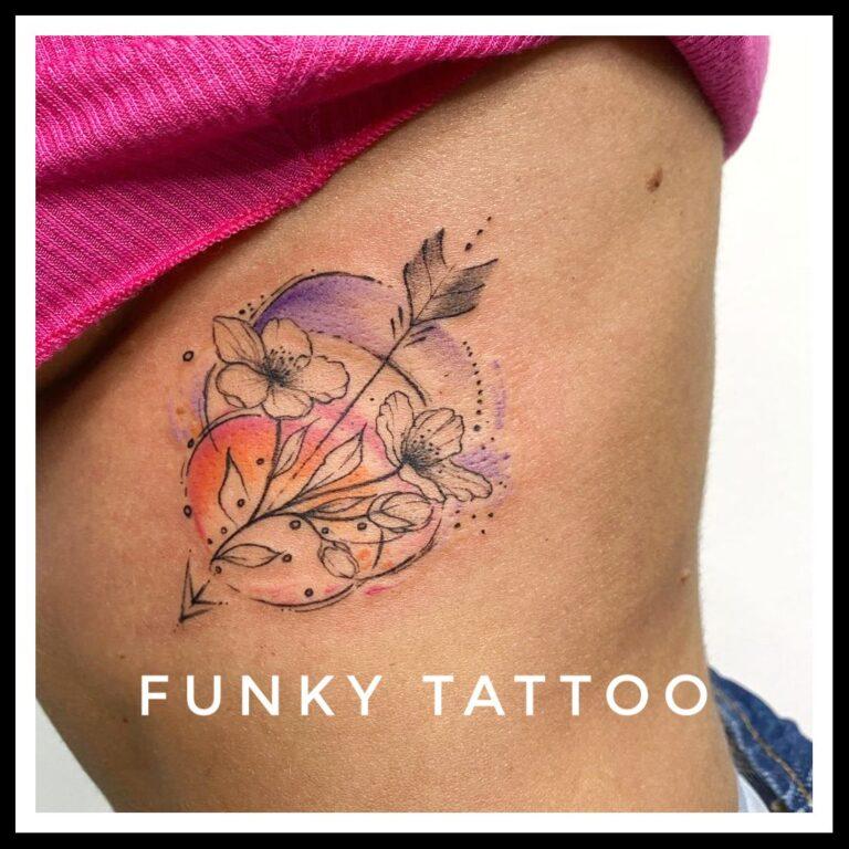 cel mai frumos tatuaj fete coaste water color sexy fluture molie salon tatuaje si piercing Funky tattoo Bucuresti