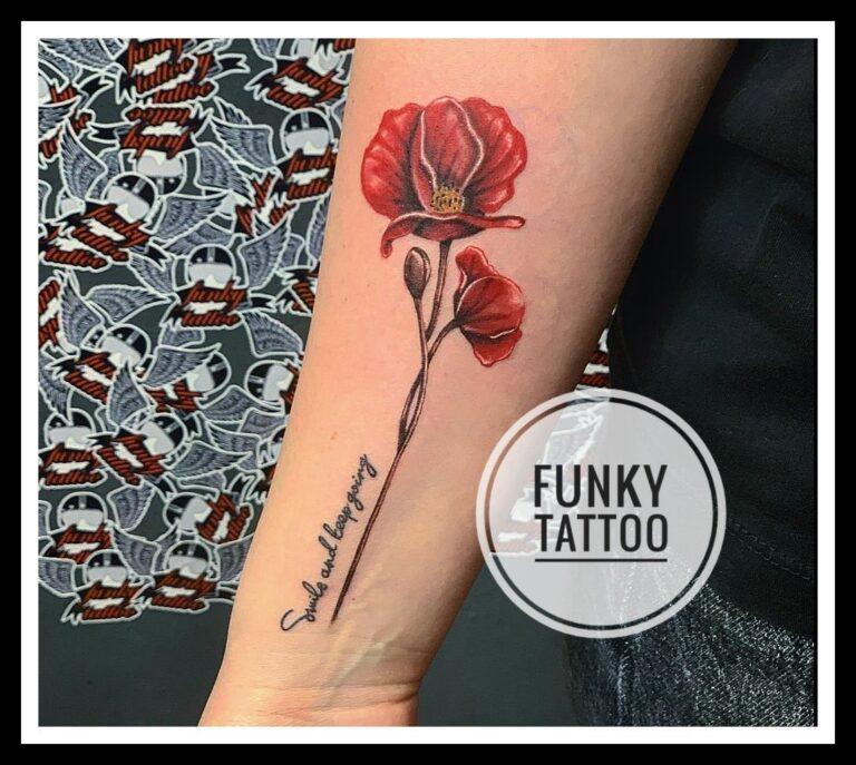 tatuaj fete mana floare tatuaj scris mac salon tatuaje si piercing Funky tattoo Bucuresti