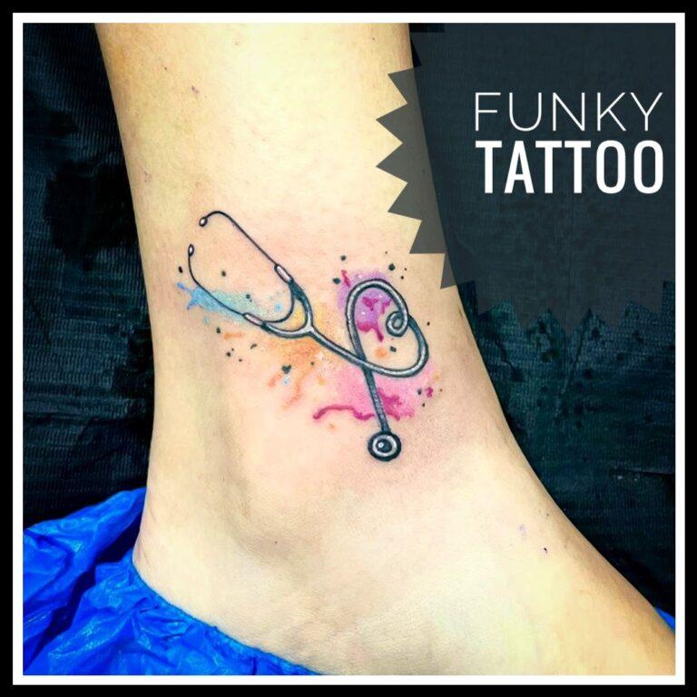 cel mai frumos tatuaj fete coaste water color sexy pasarea pheonix salon tatuaje si piercing Funky tattoo Bucuresti