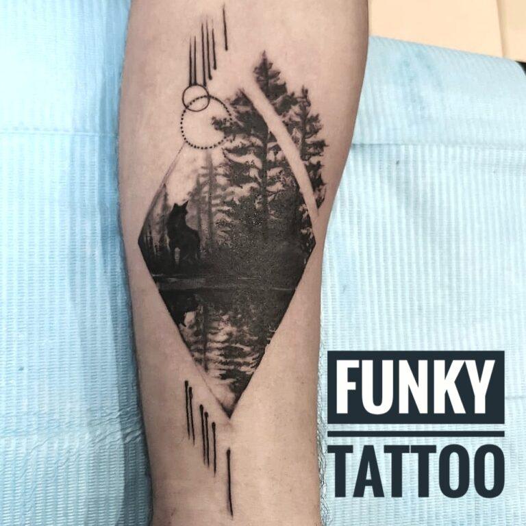 Tatuaj mana arm tattoo peisaj black and grey tatuaje baieti barbati men tattoo saloane de tatuaj bucuresti funky tattoo