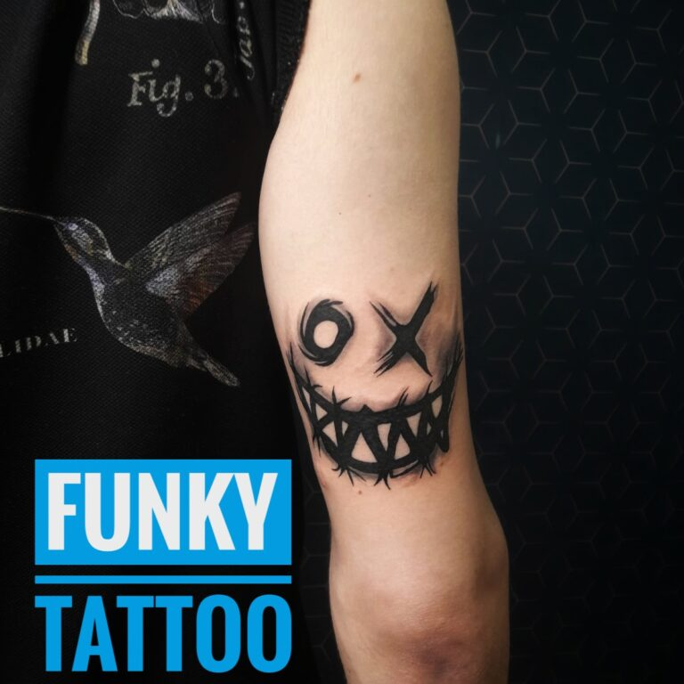 Tatuaj mana arm tattoo horror black and grey tatuaje baieti barbati men tattoo saloane de tatuaj bucuresti funky tattoo