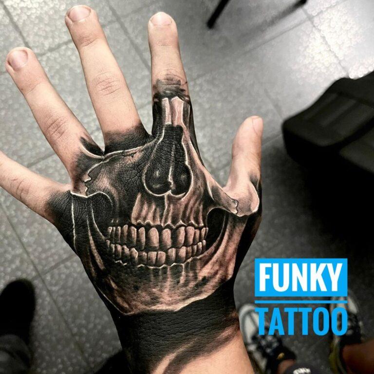 tatuaj fete baieti mana color arm tattoo girl men salon tatuaje si piercing bucuresti