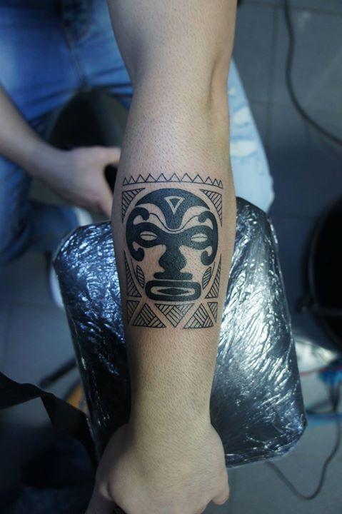 Inceputul unui tatuaj bratara